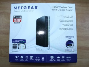 Neatgear N900 Wireless Dual Band Gigabit Router Box