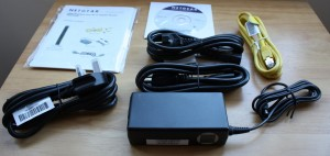 Neatgear N900 Wireless Dual Band Gigabit Router Box Contents